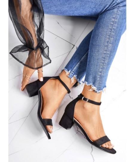 Sandales avec petit talon Talon